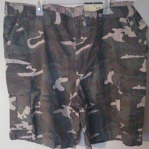 Men's Cargo Camo Shorts Sz 46 Green, Brown & Black
